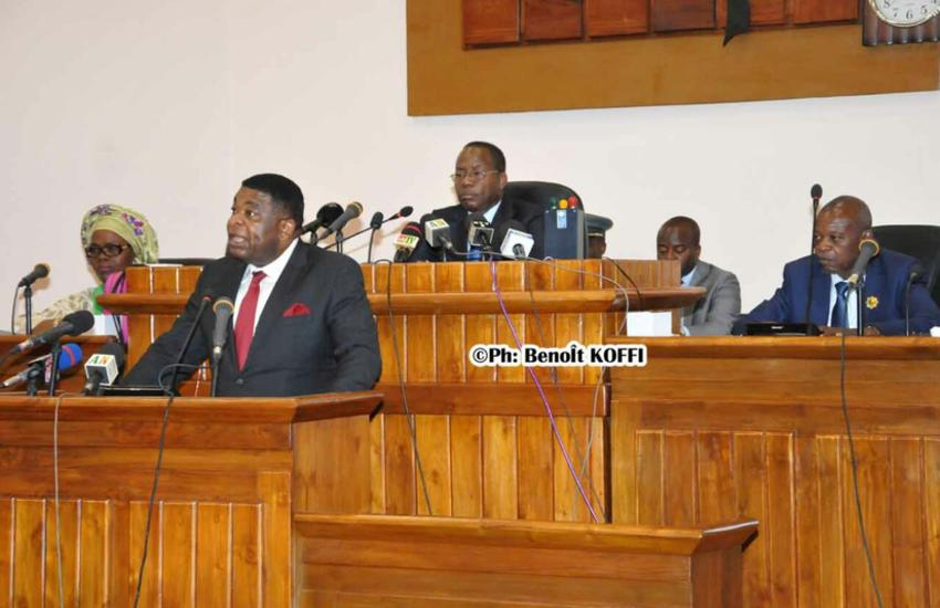 Martin Changing speaking to the National Assembly of Benin