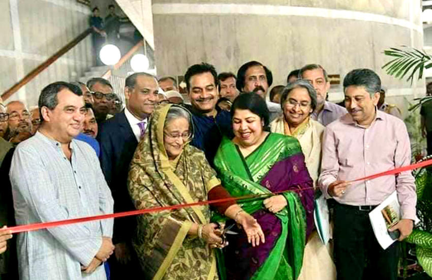IPU Honorary President Saber H. Chowdhury, Prime Minister Sheikh Hasina and Speaker of Parliament Shirin Chaudhury at the opening of the exhibition