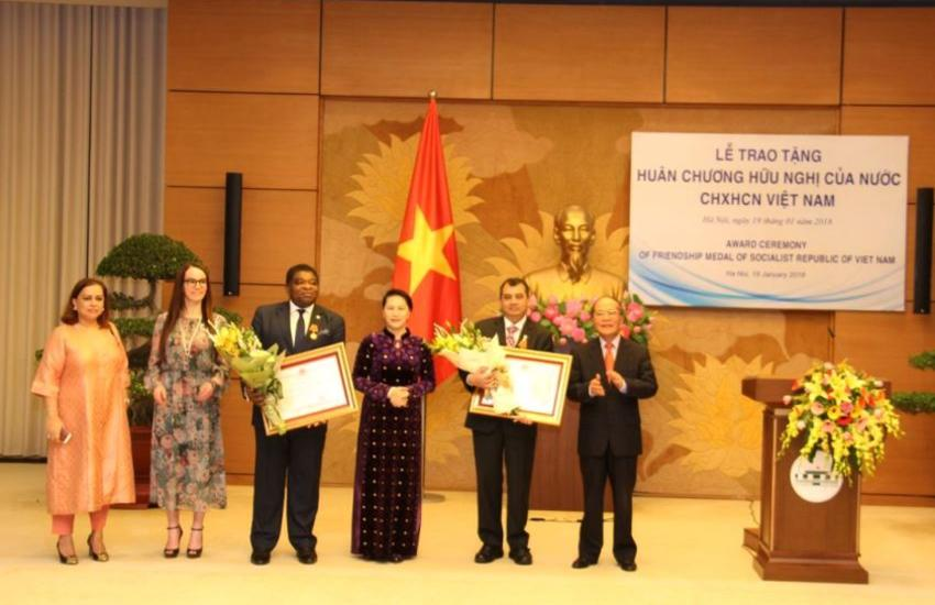 IPU Secretary General Martin Chungong and former IPU President Saber Chowdhury were awarded the Friendship Order by Nguyen Thi Kim Ngan, Chairperson of the Viet Nam National Assembly