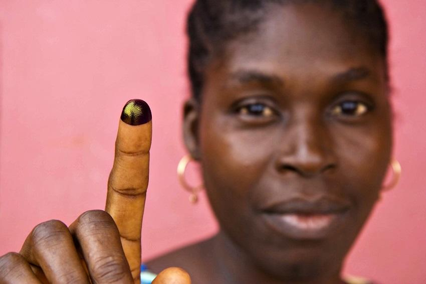 woman inked finger / © Joseph Penney / Reuters