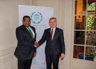 Martin Chungong, IPU Secretary General, and Viktoras Pranckietis, Speaker of Lithuanian Parliament.